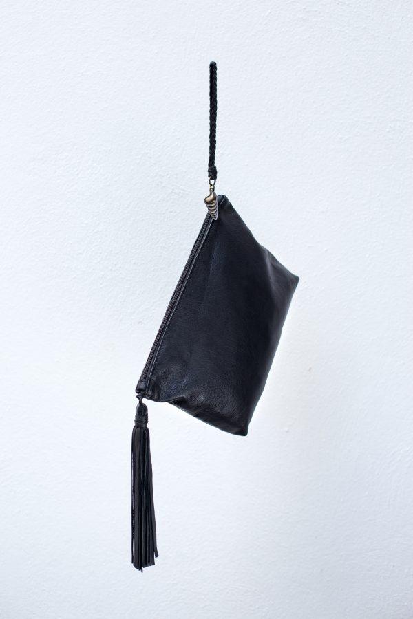 big clutch pompon negra